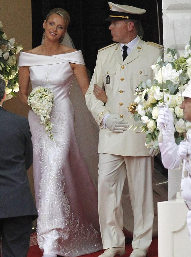 ляпис в платье белом текс