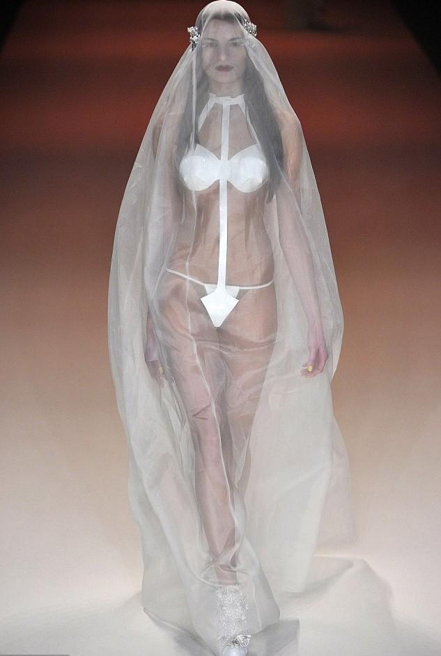 Платья трапеции · платья свадебные иваново Классические платья 2013