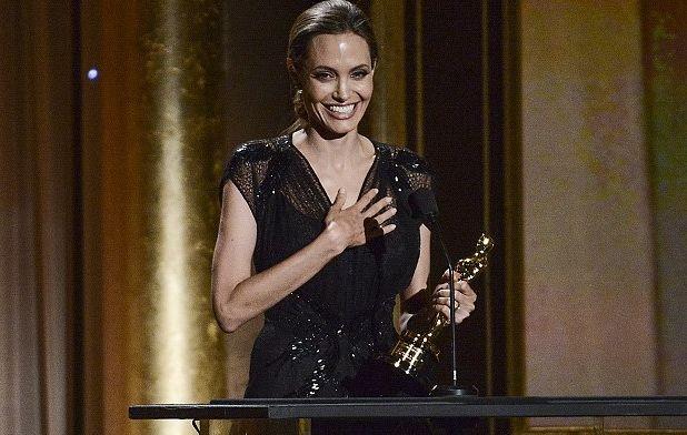 Анджелина Джоли получила почётный Оскар