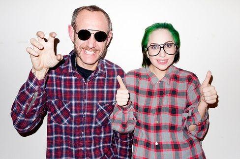 Леди Гага покрасила волосы в зелёный