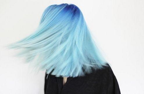 Как покрасить волосы в яркий цвет