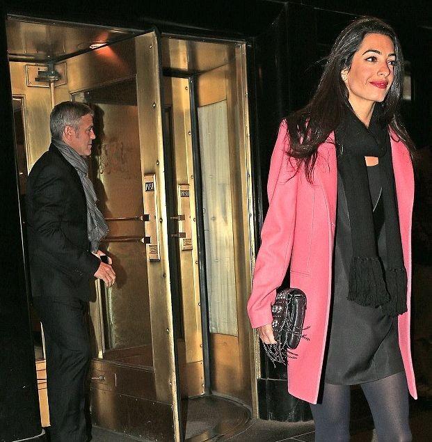 Свадьбы слух: Джордж Клуни сделал предложение адвокату Джулиана Ассанджа