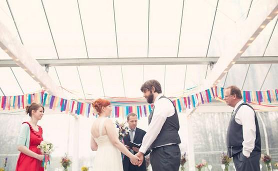 Как правильно одеваться на свадьбу?