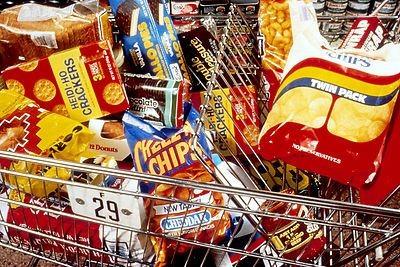 Читаем надписи на этикетках продуктов