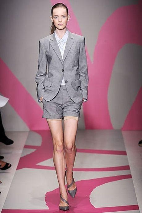 Женские летние офисные костюмы 2014
