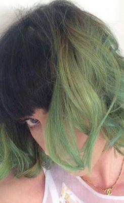 Цветные волосы снова в моде