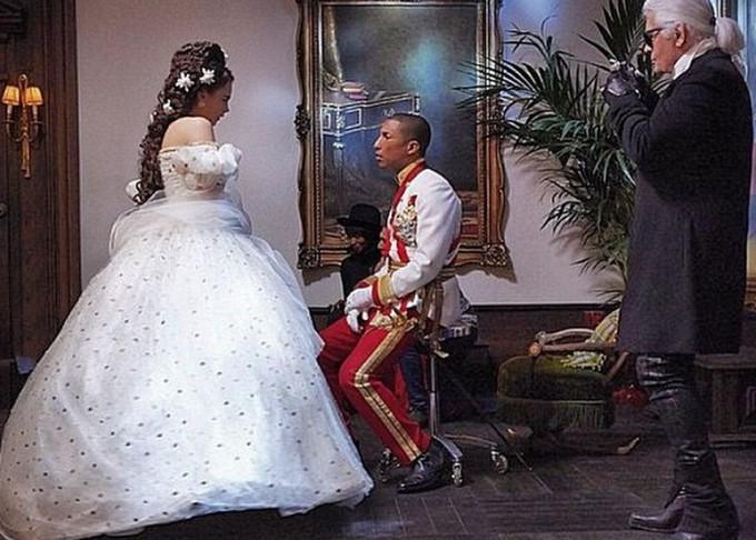 Кара Делевинь Фаррелл Уильямс снялись в новом ролике Шанель