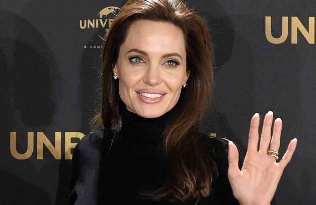Анджелина Джоли хочет стать политиком