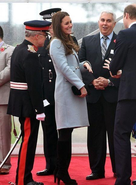 Кейт Миддлтон и принц Уильям посетили нефтеперерабатывающий завод