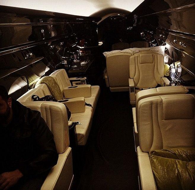 Джастин Бибер подарил себе на Рождество самолёт