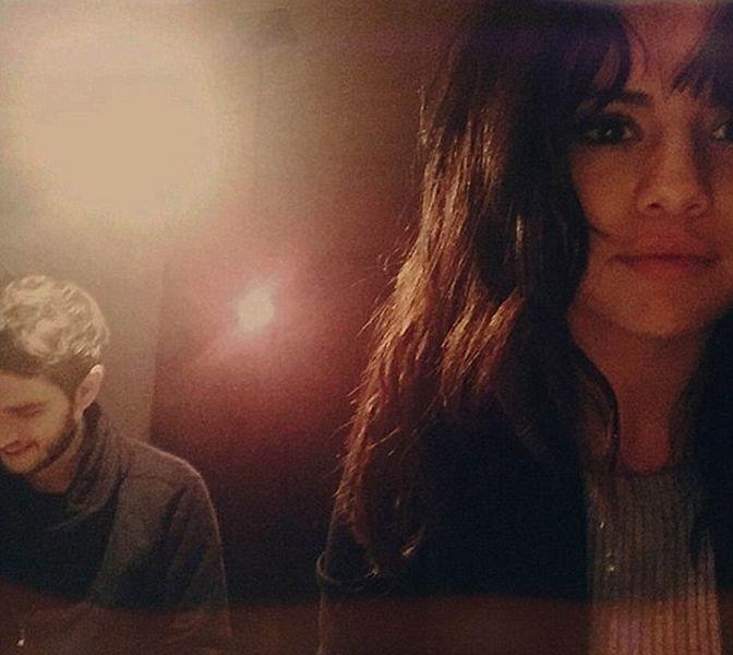 Zedd показал фото Селены Гомес в постели