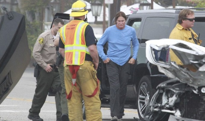 Отчим Ким Кардшян попал в аварию