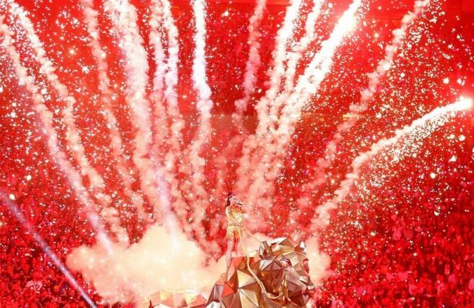 Кэти Перри выступила на Super Bowl