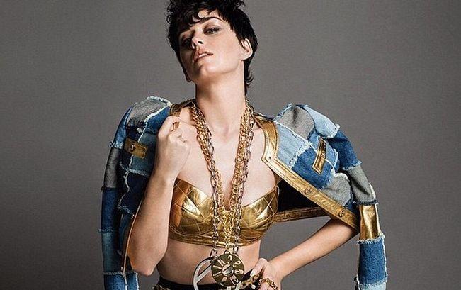 Кэти Перри стала новым лицом бренда Moschino