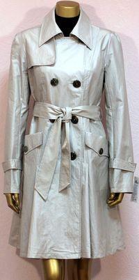 Разнообразие женских пальто и плащей