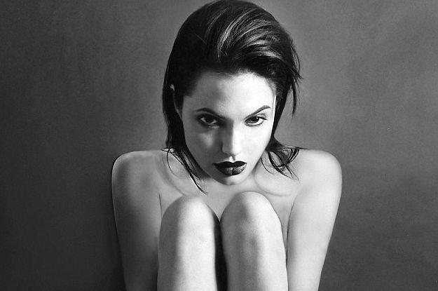 Фотографии голой Анджелины Джоли ушли с молотка