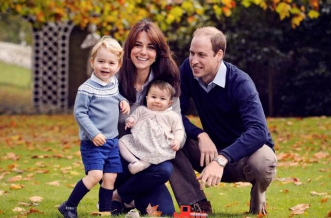 Новый семейный портрет принца Уильяма и Кейт Миддлтон с детьми