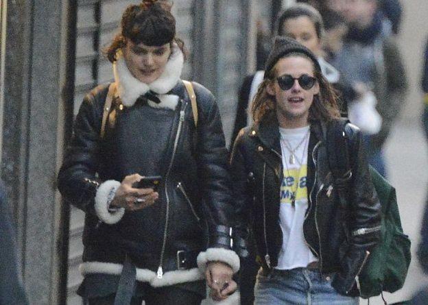 Кристен Стюарт с подругой прогулялись по Парижу