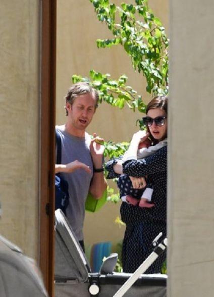 Энн Хэтэуэй впервые сфотографировали с сыном