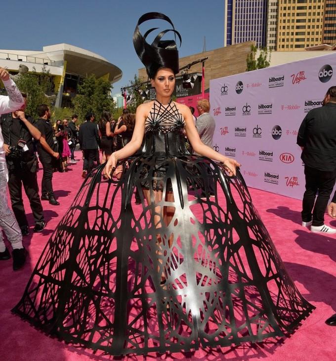 Адель стала «лучшей артисткой года» поверсии Billboard Music Awards