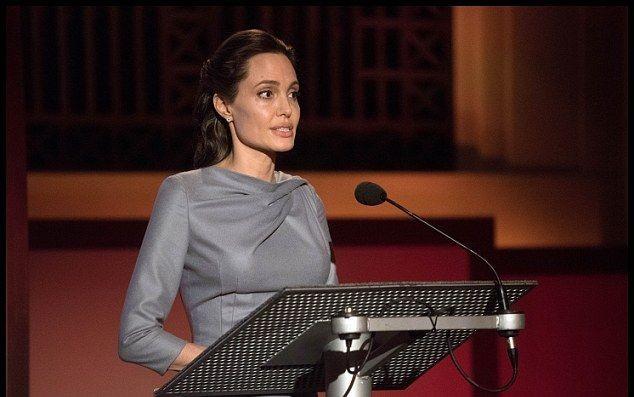 Анджелина Джоли раскритиковала Трампа