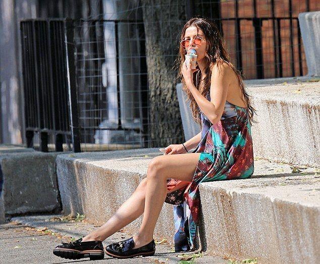 Селена Гомес искупалась в фонтанах