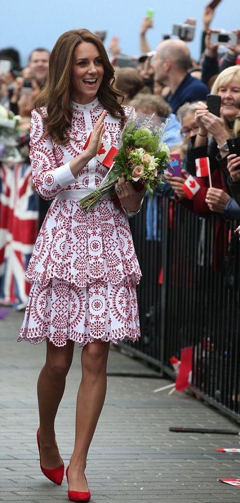 Принц Уильям и Кейт Миддлтон прибыли в Канаду