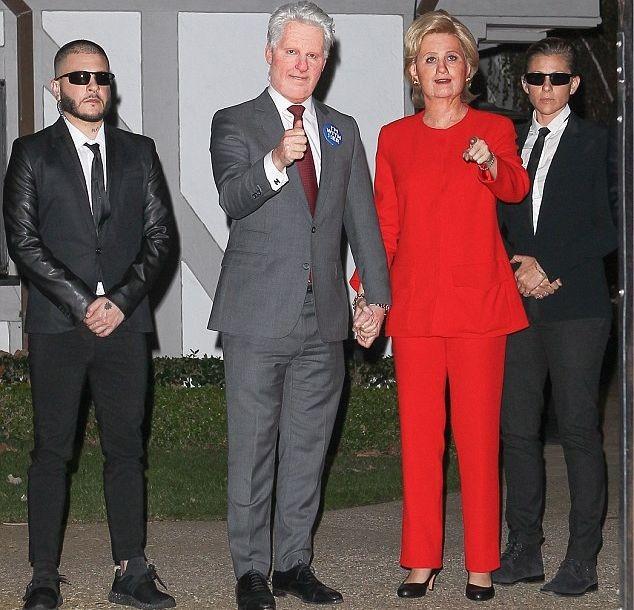 Кэти Перри превратилась в Хиллари Клинтон для вечеринки накануне Хэллоуина