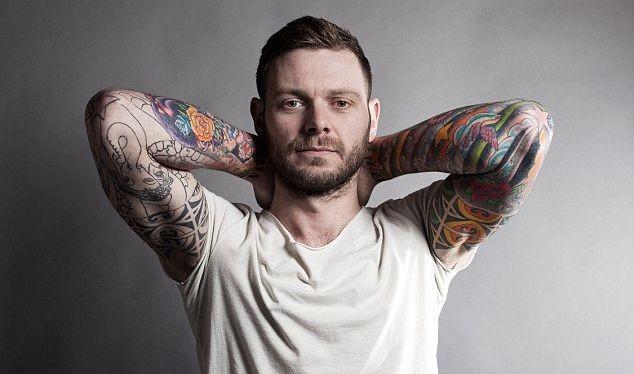 Мужчины с татуировками чаще изменяют своим вторым половинкам