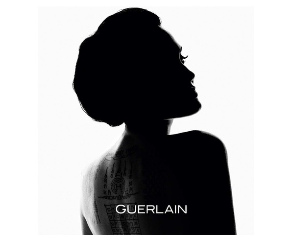 Анджелина Джоли стала лицом нового аромата от Guerlain