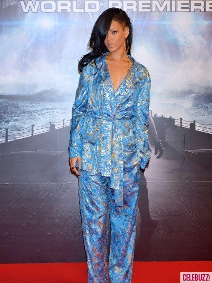 Рианна пришла на премьеру Battleship в пижаме