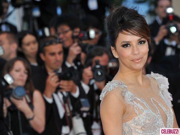 Ева Лонгория прошлась по ковровой дорожке на открытии Каннского кинофестиваля