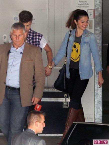 Джастин Бибер и Селена Гомес вместе посетили больницу в Новой Зеландии