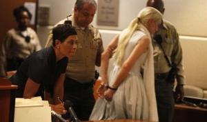 На Линдси Лохан надели наручники