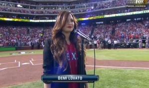 Деми Ловато спела национальный гимн Америки