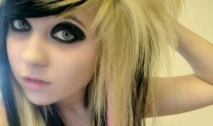Кем быть: блондинкой или брюнеткой?