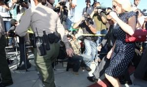 Линдси Лохан посадили в тюрьму, ненадолго