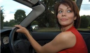Внимание: за рулем женщина!