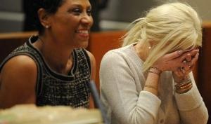 Линдси Лохан явилась в суд без белья