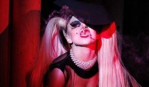Леди Гага принимала ванны из крови