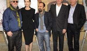 Анджелина Джоли нервничает перед Золотым Глобусом