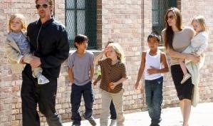 Дочка Анджелины Джоли просит называть её мужским именем