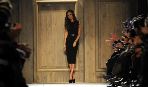 Виктория Бекхэм показала осеннюю коллекцию на Неделе моды в Нью-Йорке