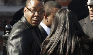 Бобби Браун объяснил, почему покинул похороны Уитни Хьюстон