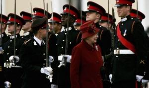 Принц Уильям показал любимую фотографию с бабушкой
