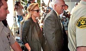 Линдси Лохан снова отправилась в тюрьму