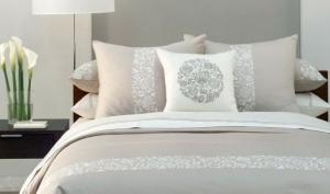 Дизайнерские хитрости для маленькой спальни