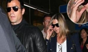Блестящий слух: Дженнифер Энистон вернулась из поездки с Джастином Теру с помолвочным кольцом