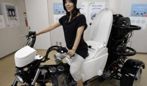 Японцы изобрели мотоцикл с унитазом