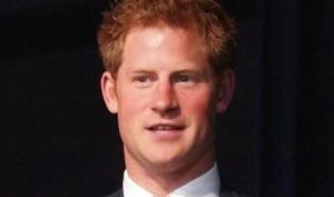 После скандала с голыми фото принц Гарри покинул Фейсбук